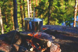 Allumer un feu de camp - survie bushcraft