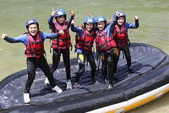Rafting découverte pour les groupes d'enfants et d'adolescents.