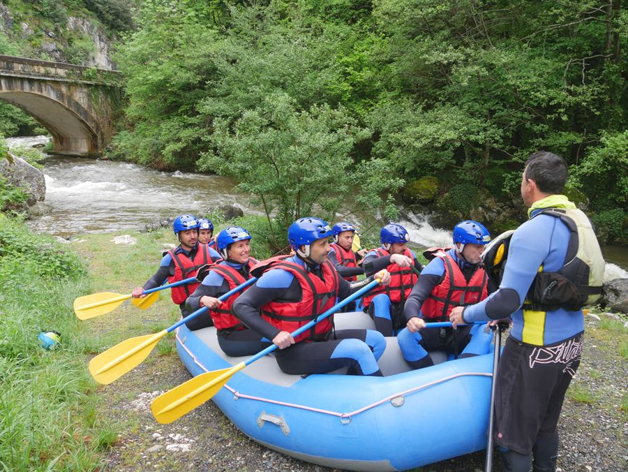 Briefing avant la descente en rafting