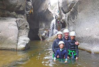 Canyoning découverte dans le Molitg - Castellane. Itinéraire incontournable dans les Pyrénées Orientales