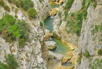 Aventure aquatique : canyoning dans les Gorges de Galamus