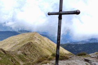 Randonnées en haute montagne dans les Pyrénées Orientales avec un accompagnateur en montagne