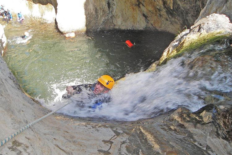 Séjour canyoning des les Pyrénées Orientales pour les pratiquants experts