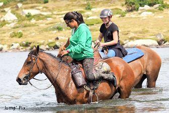 Rando à cheval surle site des Bouillouses avec Avnture Pyrénéenne