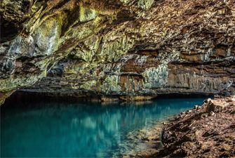 Session spéléo à Villefranche de Conflent - exploration de la rivière souterraine d'En Gorner